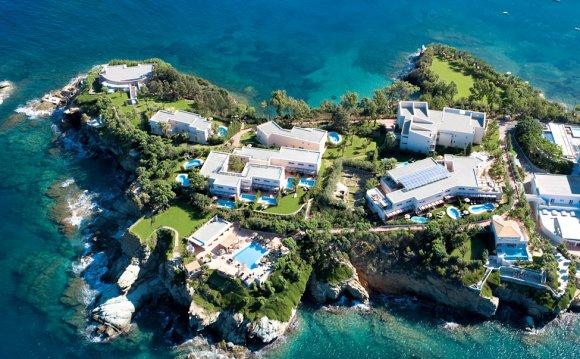 Отель на частном полуострове в